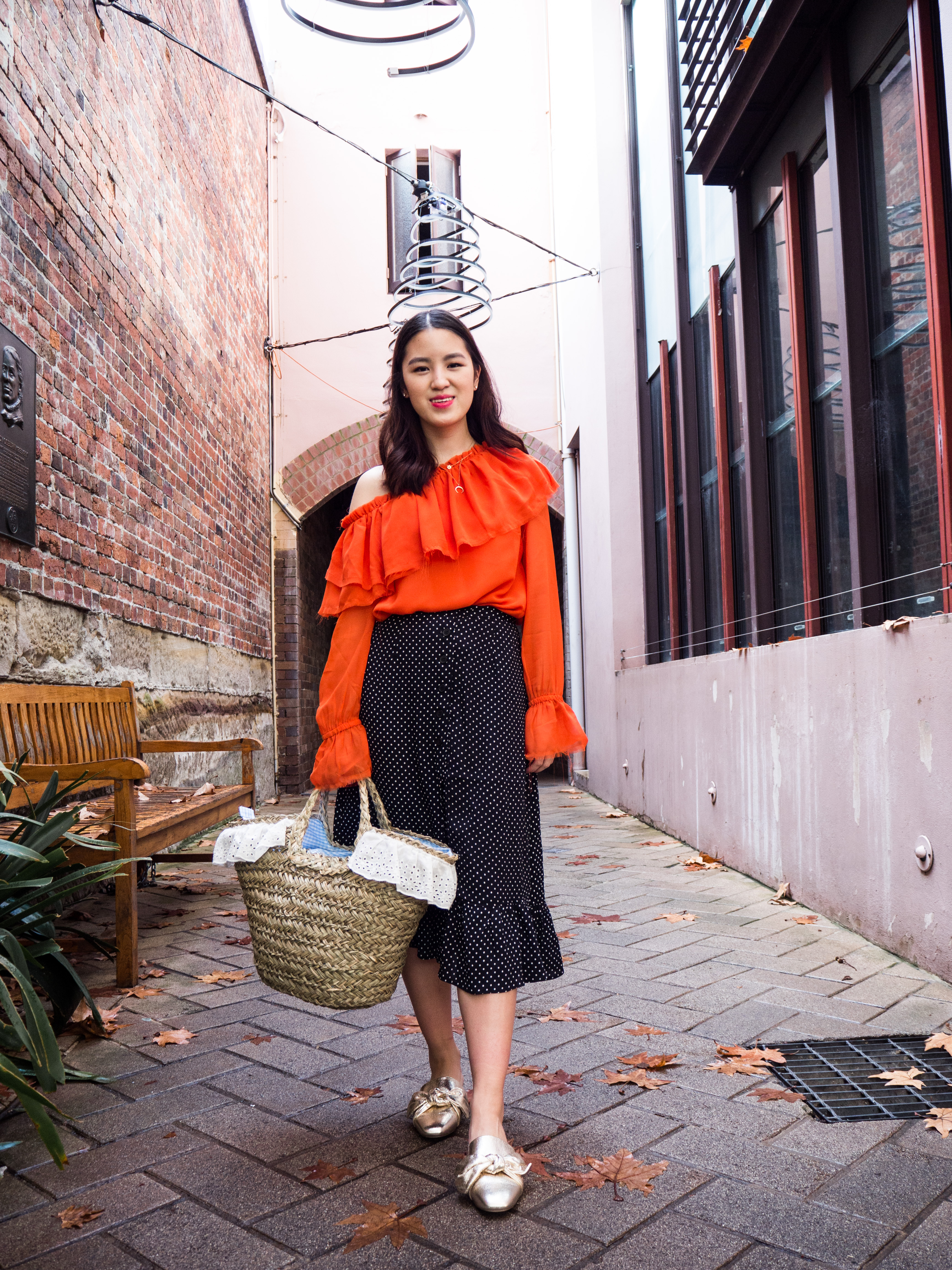 how I style, statement, trends, fashion, 2017, what to wear, boring wardrobe, colour, sydney blogger, blogger, styleblogger, fashion blogger, lumieredhelen, lumiere d'helen, ootd, outfit ideas, spring, summer, winter, autumn, minimal wardrobe, five piece french wardrobe, neutrals