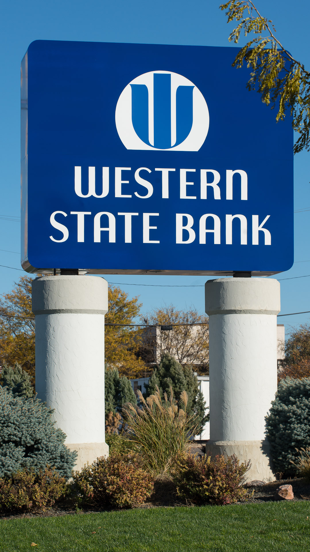 Western State Bank In Garden City Ks Luminous Neon Art Sign Systems Kansas And Missouri Sign Company