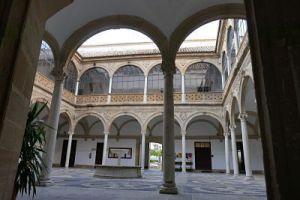 Patio del Palacio de las Cadenas