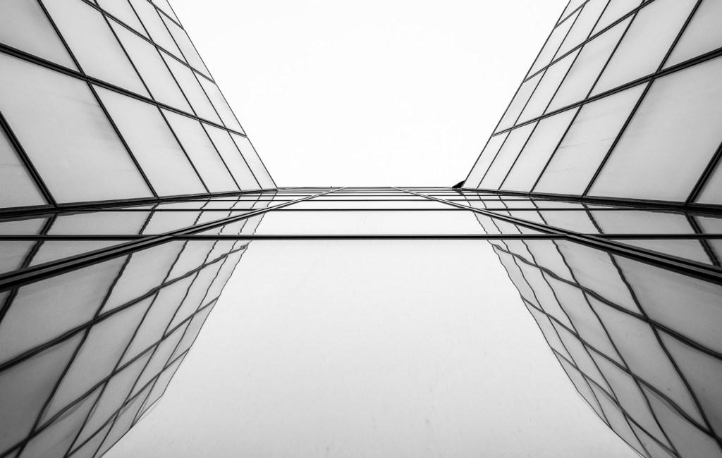 Mirror Mirror, Brussel