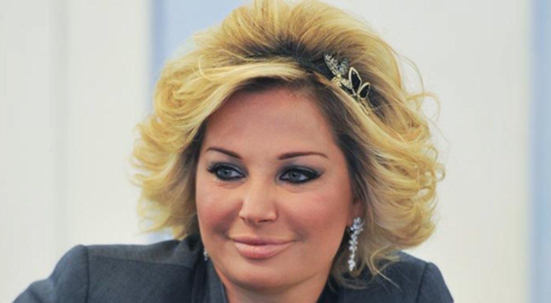 """""""Ты торгуешь своей жизнью, я не хочу быть участником этого позора"""": Мария Максакова час караулила маму на морозе"""
