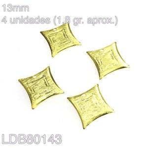 Dije bañado en oro cuadrado de 13mm 4un 1.8gr aprox