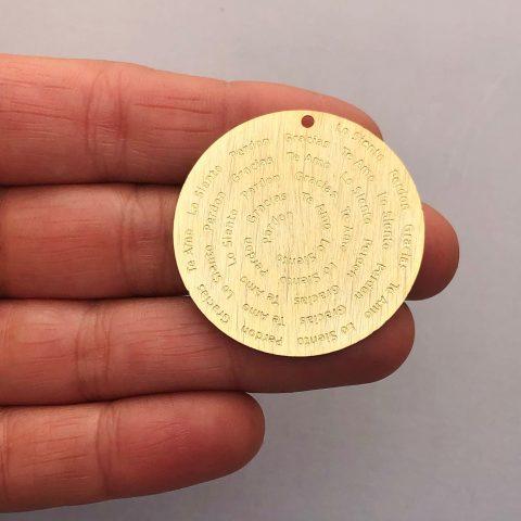 Dije bañado en oro 22k de 35mm Medallón Ho'oponopono LDB81941