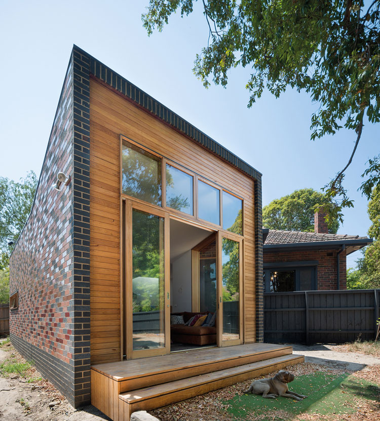Forever House A New Pavilion under the Eaves of a