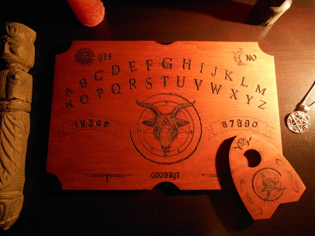 ouija planche pour occultisme