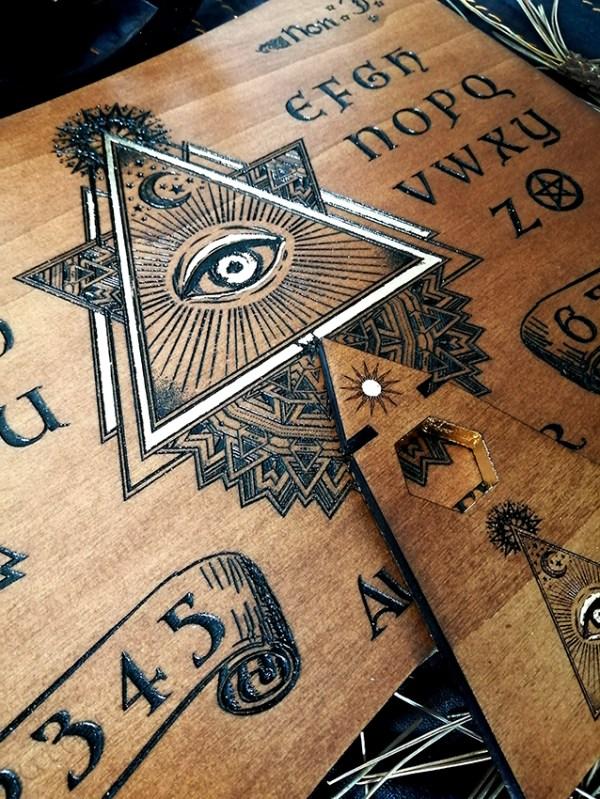 ouija planche de spiritisme