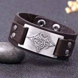 dragon en cuir sur bracelet