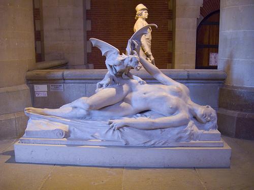 Sculpture incube et déesse nue