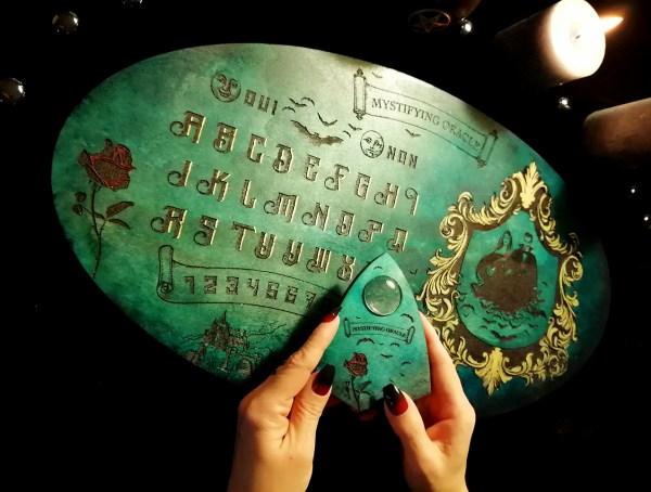 Ouija planche pour spiritisme