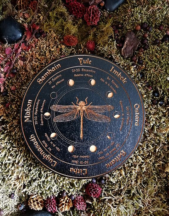 wicca roue noir libellule