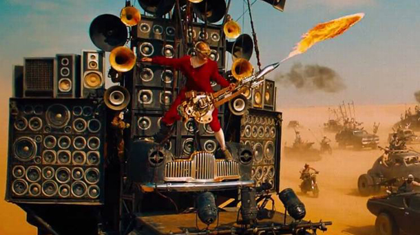 Il-chitarrista-di-Mad-Max-Fury-Road