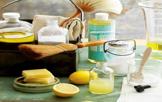 Faire vos propres produits nettoyants maison! Simple et écolo! - L'Univert Écolo