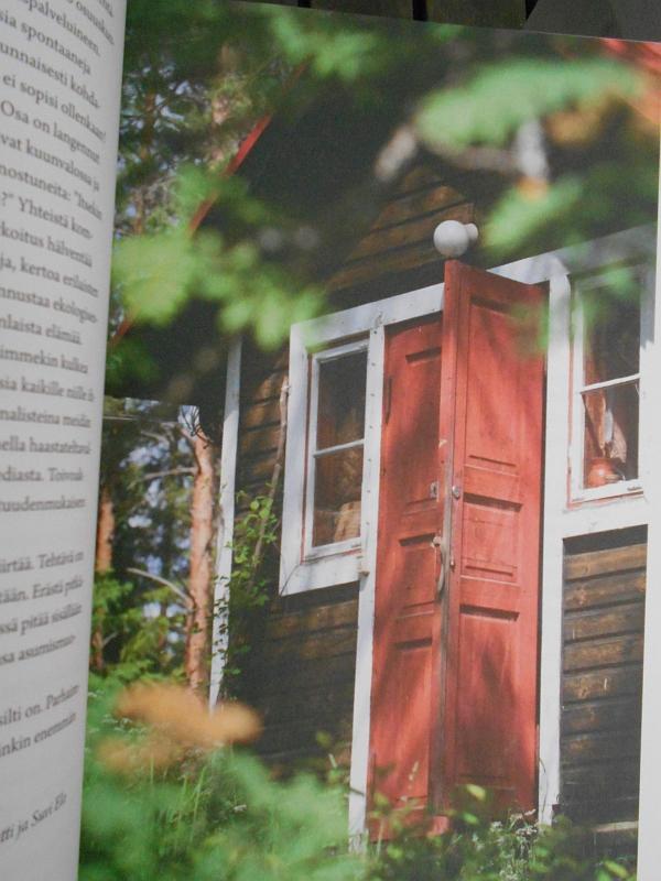 Unelmien ekokylät - kurkistuksia suomalaiseen ekoyhteisöasumiseen