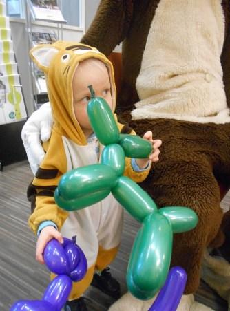 Pikku Tiikeri tapasi Apsi-apinan