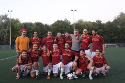 La prima partita e vittoria nel campionato dei tifosi a Londra