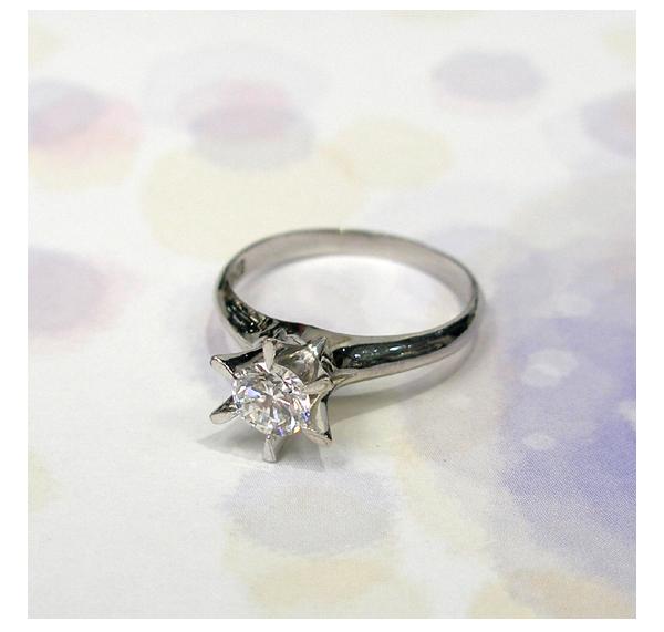 リフォーム前のPt立爪ダイヤモンドリング(0.60ct)