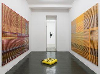 Diango Hernández, Amor Amor, Vista de instalación. Cortesía VAN HORN, Düsseldorf