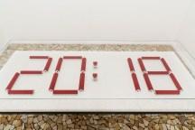 Jorge Macchi, 2018 (Model), 2018, Madera pintada. Jorge Macchi, Suspension points 03 (2018). Acuarela sobre papel. Díptico: 140 x 140 cm cada uno. Cortesía GALLERIA CONTINUA, San Gimignano / Beijing / Les Moulins / Habana. Foto: Ela Bialkowska, OKNO Studio