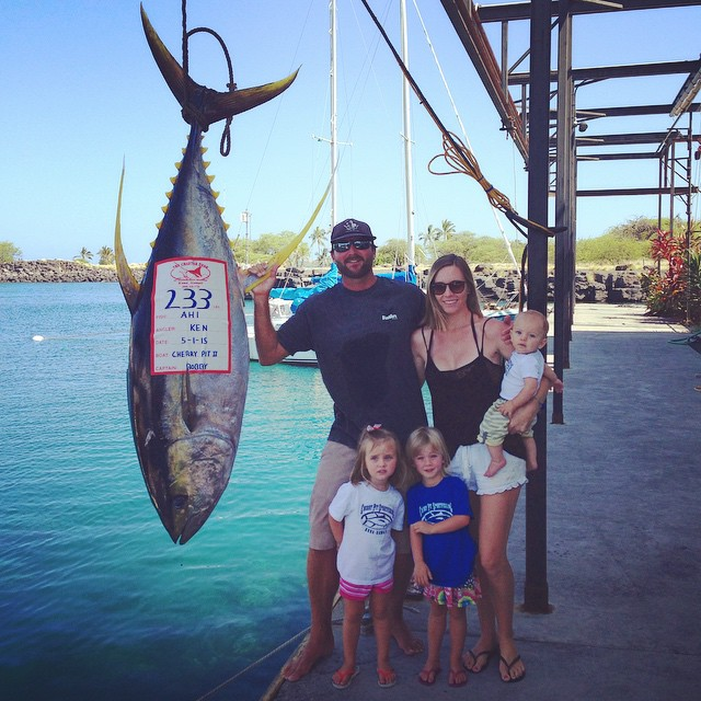 233 pound ahi raises Kona bar