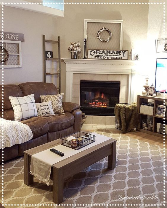 Cozy Living Room with Neutral Decor