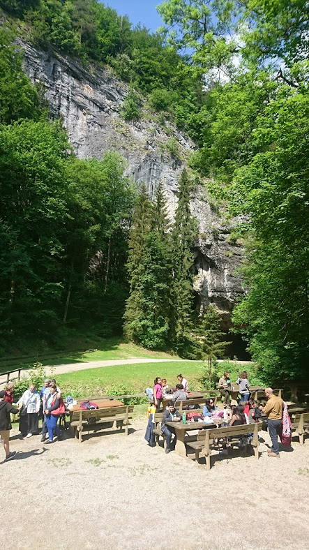 Lurgrotte_Semriach_eingang_Sommer