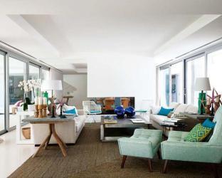 Modern House Blending Concrete Architectural Design with Cozy Cottage Decor