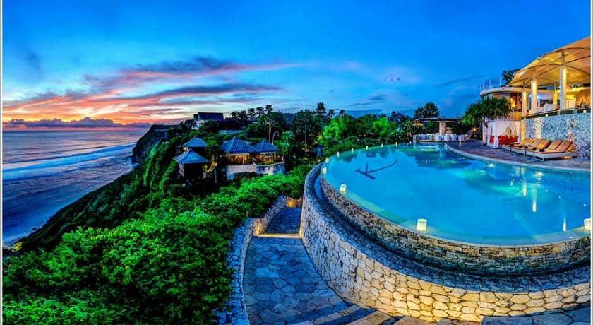 Guide to Surfing Bali |Karma Kandara luxury hotel