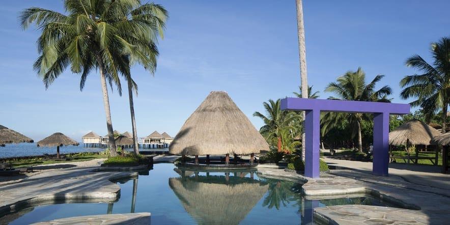 Surfing Samoa / Coconuts Beach Club