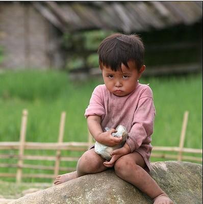 Enfant boudeur