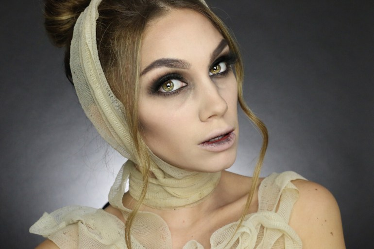 Julia Dantas - Halloween mummy