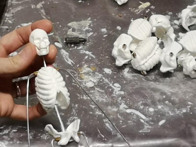 sculpture skeleton