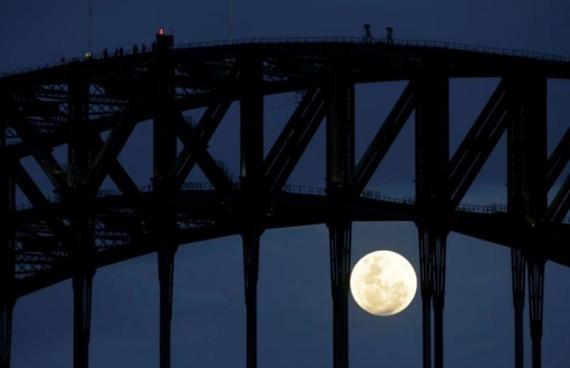 gambar-supermoon-di-sydney