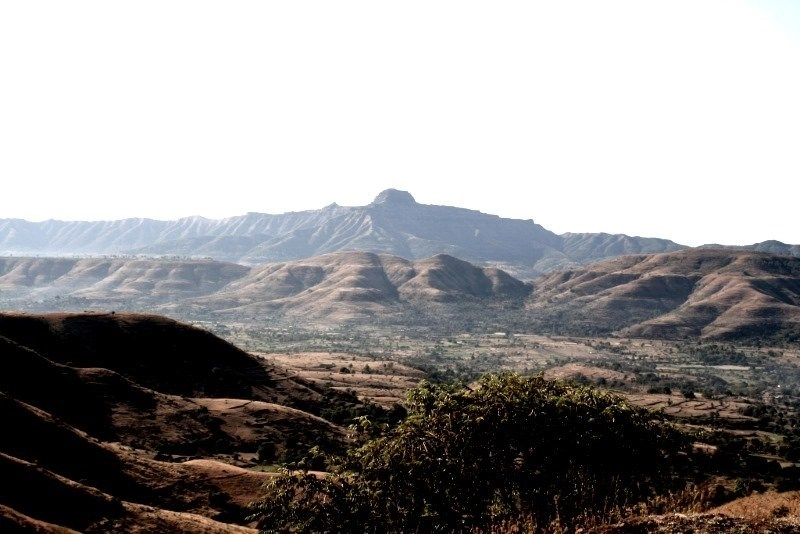 The Deccan Traps: View from Pabe Ghat peak. Credit: cc by Wikimedia Commons