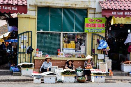 L'entrée du marché Đồng Xuân à Hanoi.