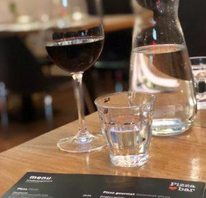 wijn in een restaurant