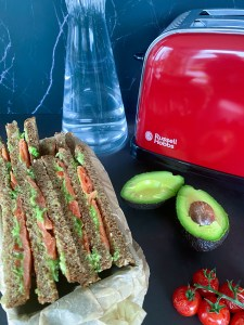 volkoren sandwich met zalm