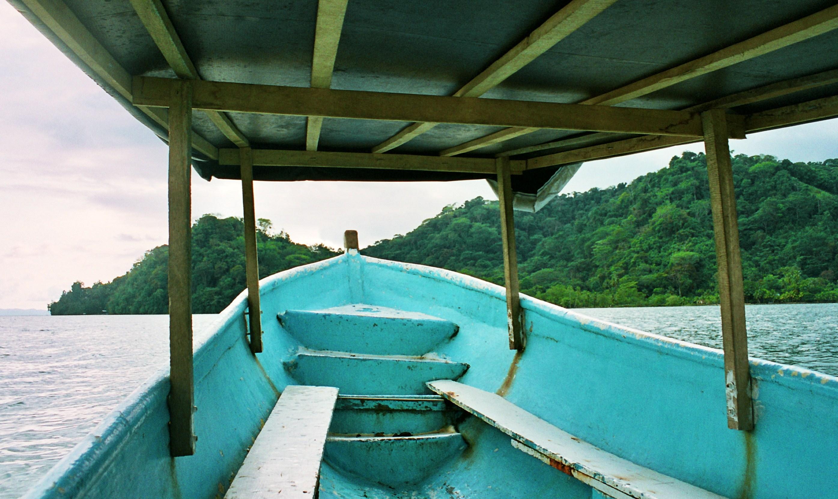 loďka na Playa Cacao