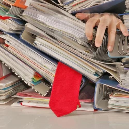 Die Steuererklärung und der Bügelberg