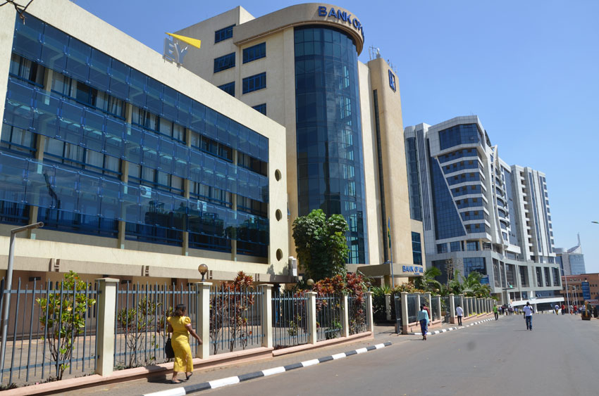 kigali streets - lux afrique