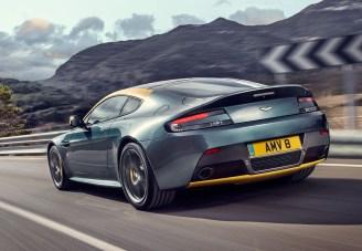 Aston-Martin-V8-Vantage-N430-arriere