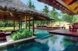 constance-lemuria-resort-piscine
