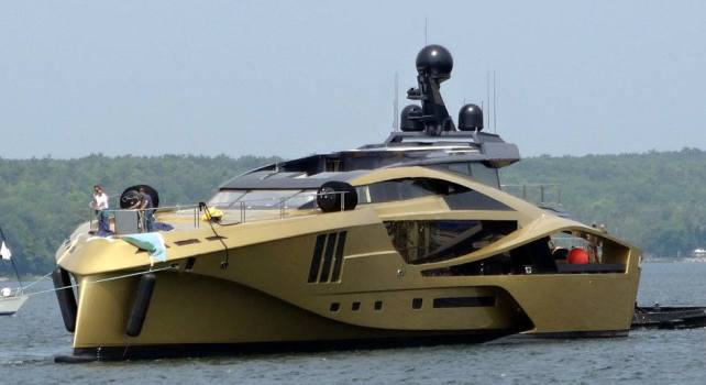 Palmer Johnson 48M SuperSport Gold : Un yacht d'or et de carbone