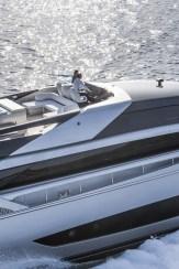 Yacht Riva Mythos