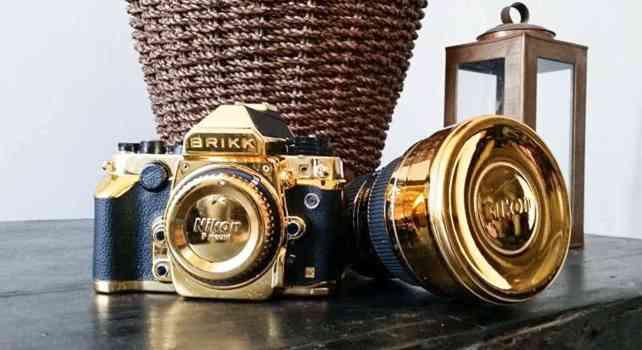 Brikk : Un appareil photo Nikon plaqué or en prévision