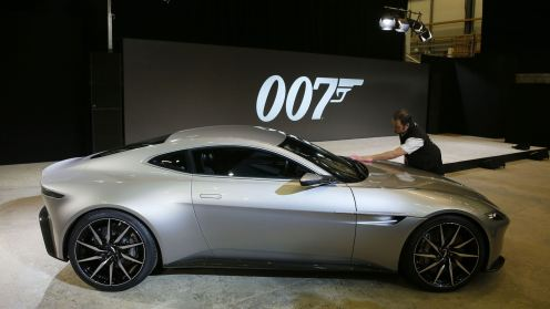 james-bond-db10