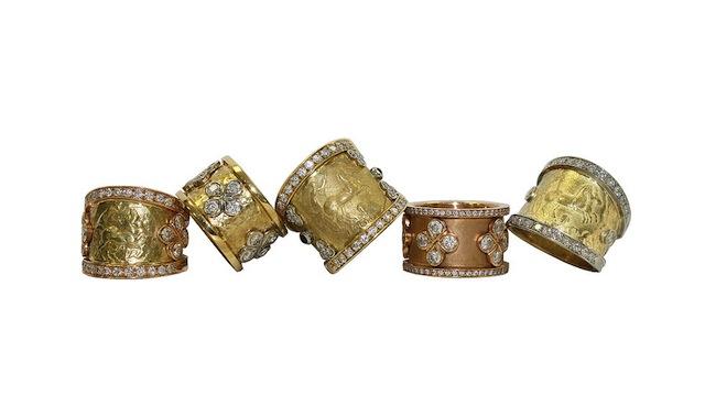 I'll take one of each of José Aragón's rings, please Bellesera Hotel Naples
