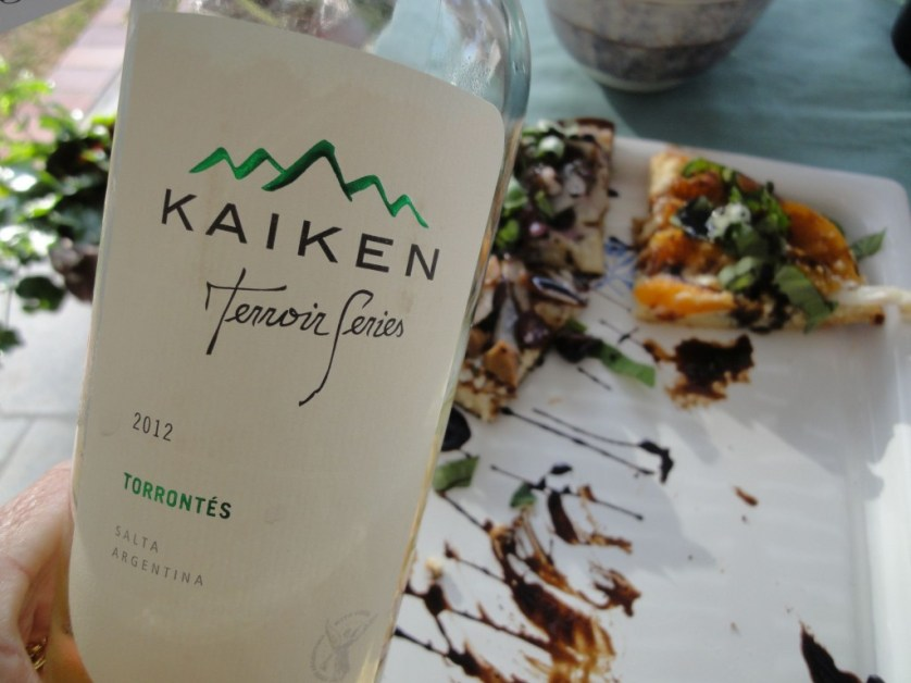 Kaiken Torrontes and pizza makes a great match