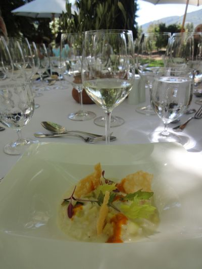 Wine etiquette worldwide