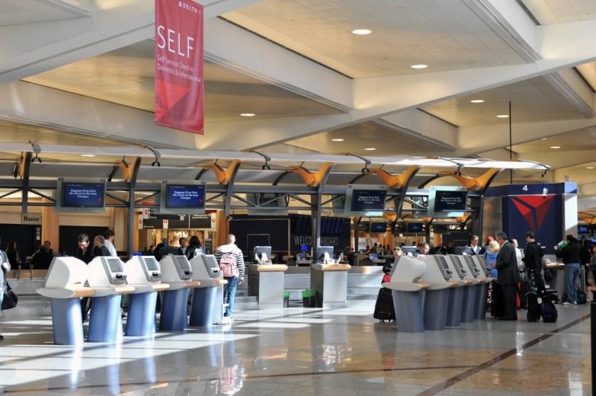 LuxeLayoversATL - Delta Check in