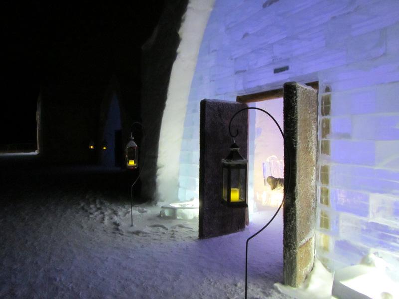 Night shot Hotel de Glace